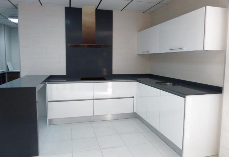 Cocinas con peninsula cocinas murcia - Muebles de cocina de formica ...