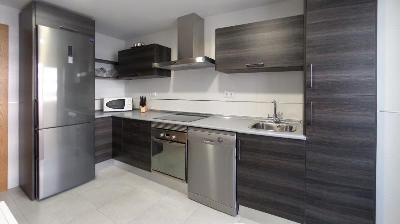 Muebles cocina gris ceniza 20170813053831 for Muebles minimalistas para cocina